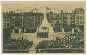 """L'image de """"Dédicace du Monument Commémoratif National de Guerre, St-John's"""""""