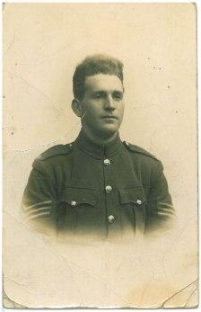 Portrait de John Donald Andrews au Camp Hazeley Down, Winchester